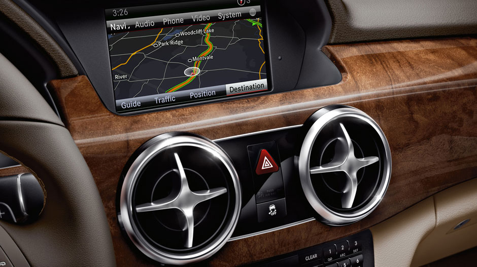 DISCOVER THE INTERIOR OF THE 2015 MERCEDES BENZ GLK