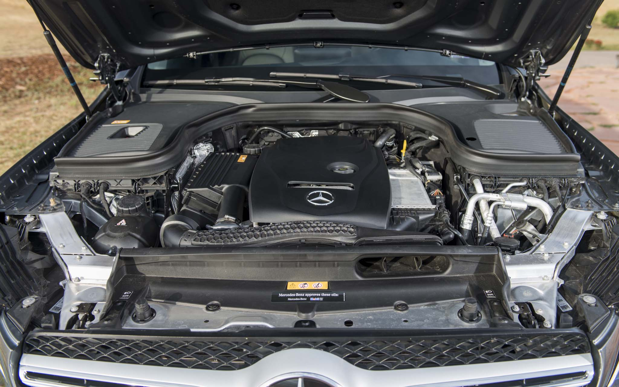 http://blog.militaryautosource.com/wp-content/uploads/sites/5/2017/01/2016-Mercedes-Benz-GLC-300-4Matic-engine-03.jpg