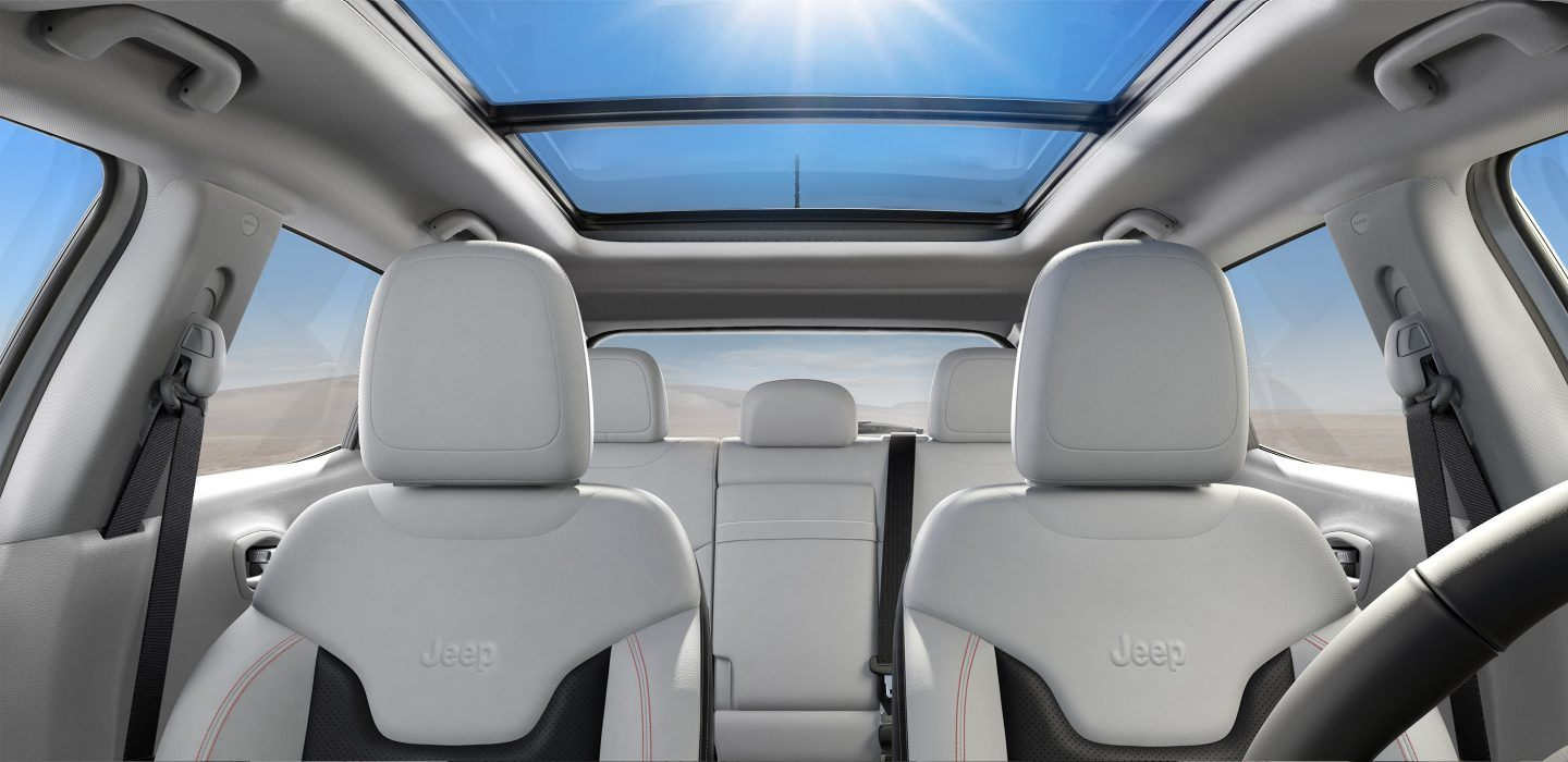2018-Jeep-Compass-Interior-Sunroof-Roof-Closed