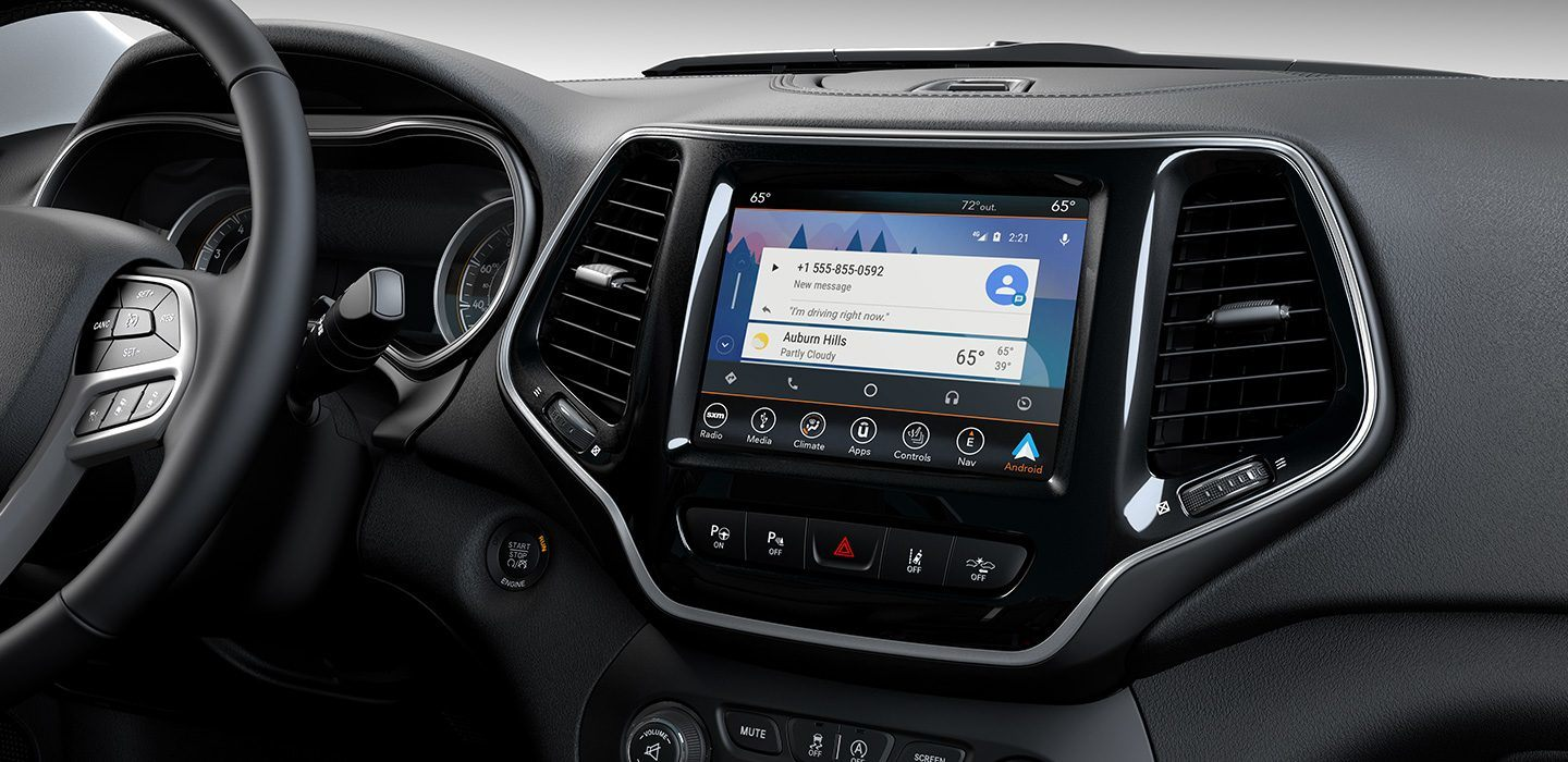 2019-Jeep-Cherokee-Interior-Uconnect-Android-Auto