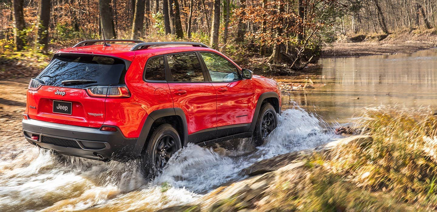 2019-Jeep-Cherokee-Trailhawk-Capability-Trail-Rated-Water-Fording